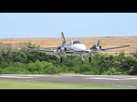SSHN: Pouso (Landing) Beechcraft Baron G58 PP-BAK em Iguaraçu (SSHN).