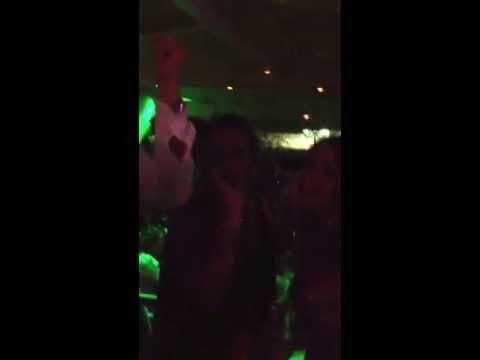 Karaoke, Salvio e le napoletane in Santorini!!