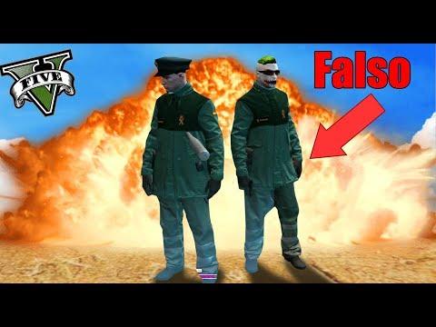 NOS HACEMOS PASAR POR POLICIAS!! (y se lo creen)👮♂️🤣 - REALIFE - Nexxuz