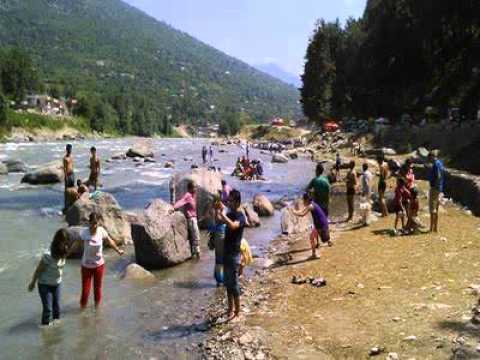 Exclusive Himachal Tragedy,Hyderabad 24 Engineering Students swept away in Beas River