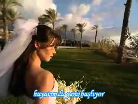 Nancy Ajram = Wana Bin Edik (Türkçe Altyazı) -Turkish Subtitles- Mp3