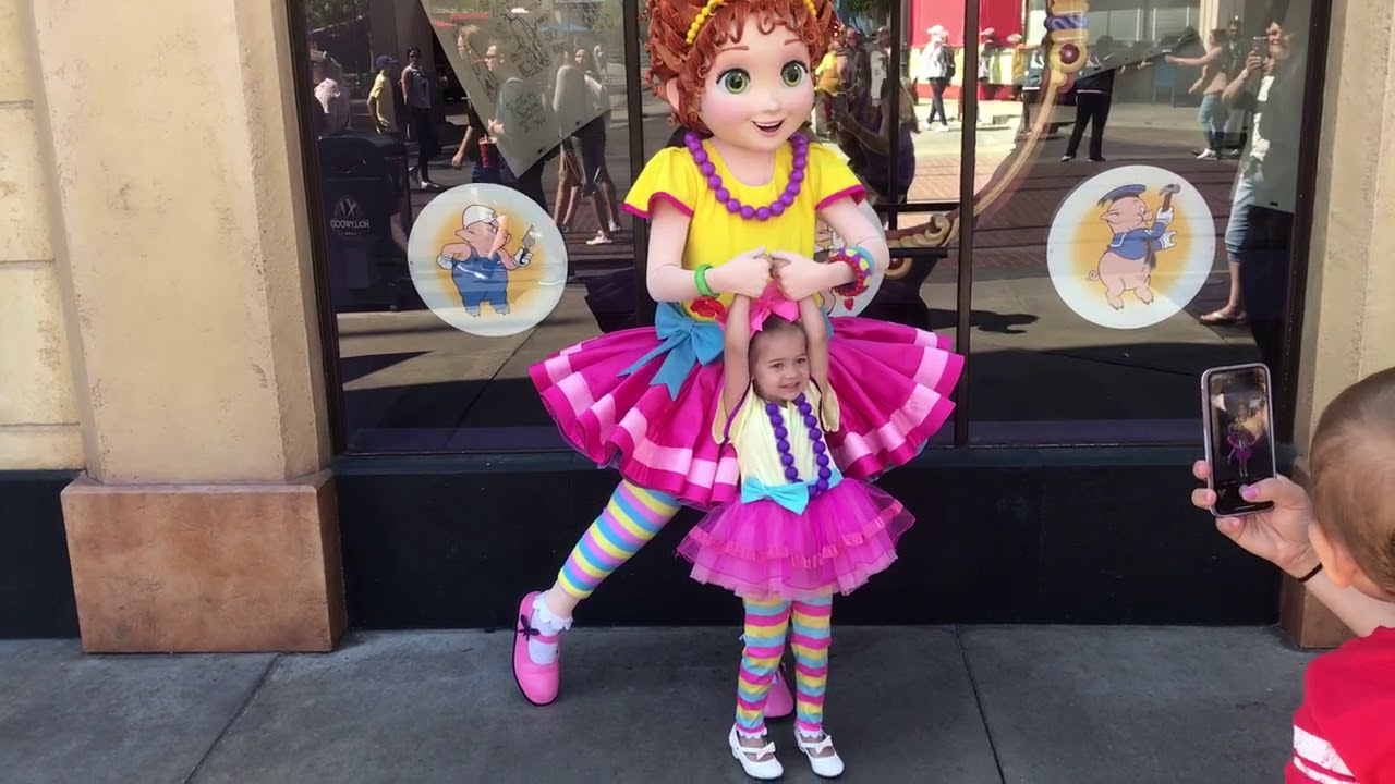 Fancy Nancy Meet And Greet With Paisley In Costume At Disneyland California Adventure Youtube