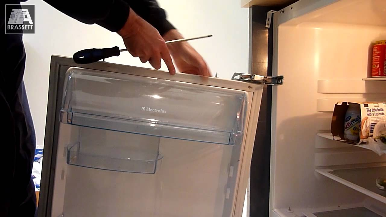 Electrolux Fridge Repair Replace The Door Hinges