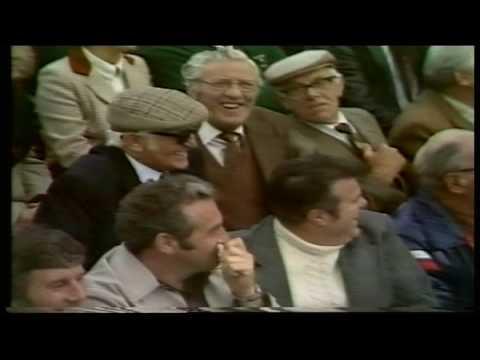 Crown Green Bowls - Waterloo 1982-The Streaker with Mercer & Strutt.