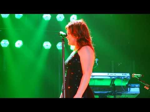 Kelly Clarkson - I'll Be Home For Christmas Lyrics
