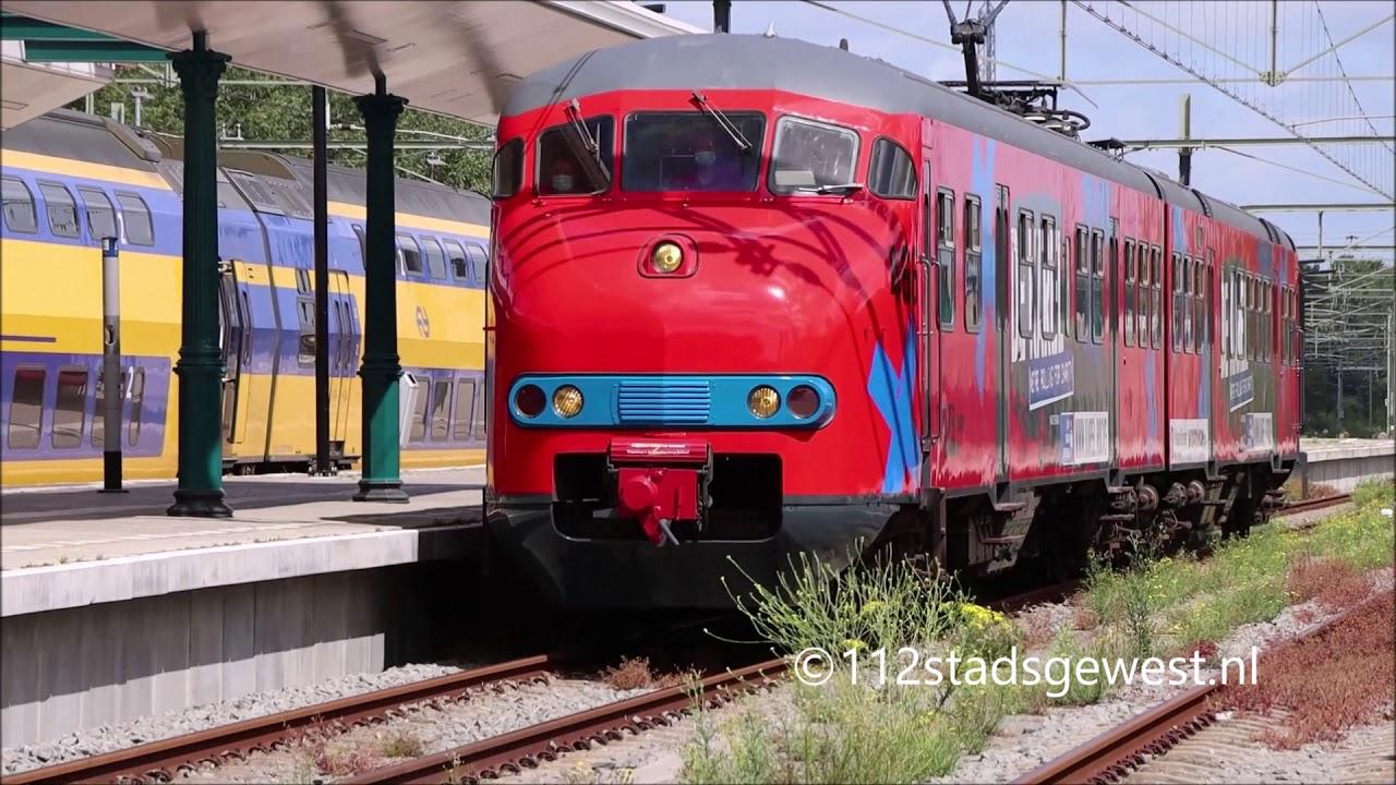 """Treinstel 466 """"De Karel"""" aankomst + vertrek station Vlissingen"""
