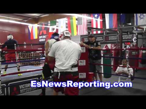 sparring in boxing ring - EsNews