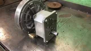 Реверс редуктор с вариатором.(Реверсредуктор исполнен с удлиненным валом для установки ведомого диска вариатора. Сам редуктор кроме..., 2014-11-14T18:15:49.000Z)