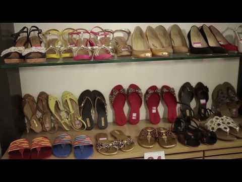 2c26419cc Dona Rosa fabrica calçados personalizados de acordo com o gosto da cliente  - YouTube
