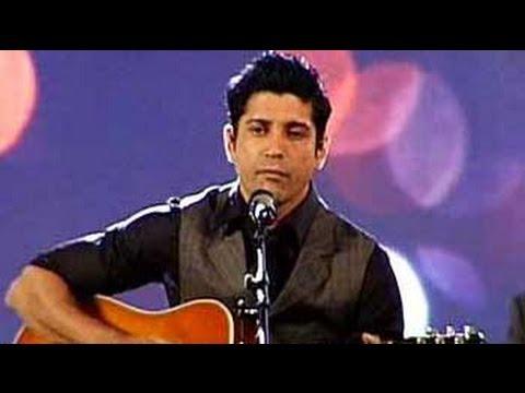 Farhan Akhtar performs at Indian of the Year awards