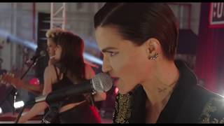 Gambar cover Pitch Perfect 3 EverMoist How a Heart Unbreaks ( Ruby Rose )