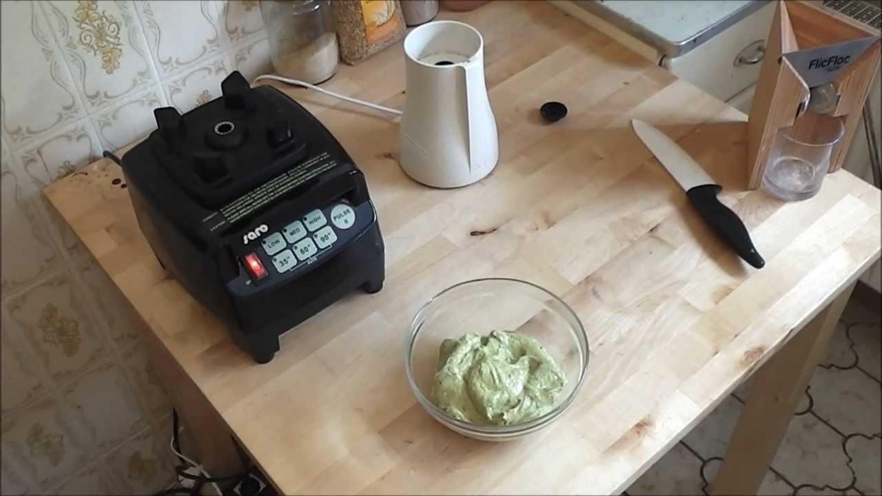 Fantastisches Eis aus dem Mixer: Rohveganes Pistazieneis (Raw Vegan Pistachio Ice Cream)