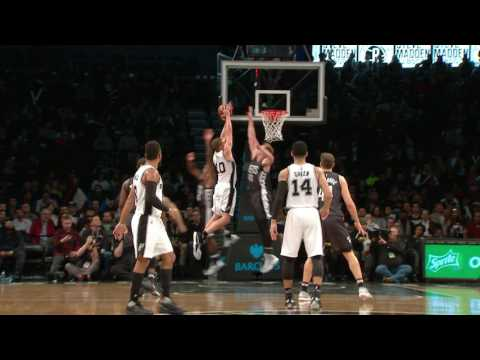 Patty Mills Clever Play Leads to David Lee Slam | 01.23.17