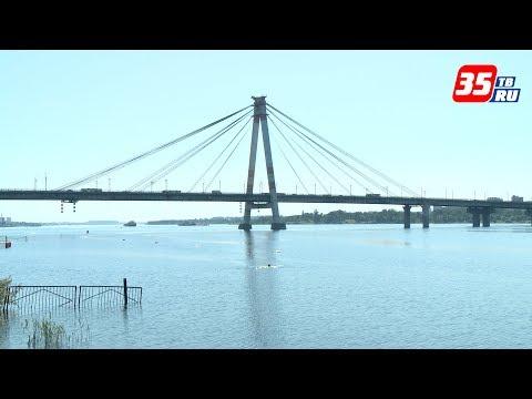 Мужчина прыгнул с Октябрьского моста в Череповце