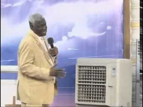 Mamadou Karambiri - La Sainteté élève Le Nom Du Seigneur, Le Péché L'abaisse