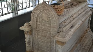 Makam Syech Maulana Malik Ibrahim Di Gresik