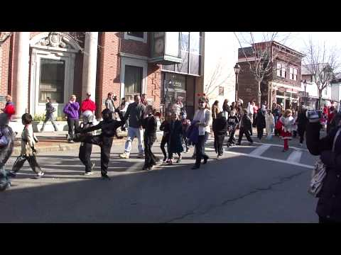 Bar Harbor Halloween Parade 2011 / Conners-Emerson School