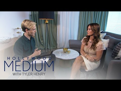 Kyle Richards Breaks Down During Reading With Tyler Henry | Hollywood Medium with Tyler Henry | E!