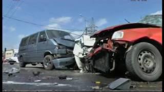 Тройное ДТП в Днепр, водитель погиб на месте, женщина-врач - в больнице