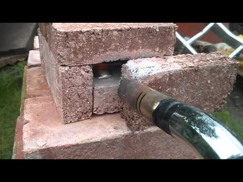 Homemade Vermiculite fire brick - test furnace melting aluminium with blowtorch