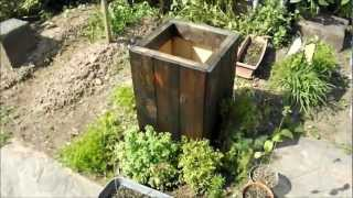 Diy How To Make A Free Wood Planter Box From Reclaimed / Recycled Wood, Easy.