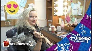 Los Descendientes 2 – Un día de rodaje con Dove Cameron | Disney Channel Oficial