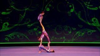 Download Trio Flikflak stunt met acrobatiek - SUPERKIDS Mp3 and Videos