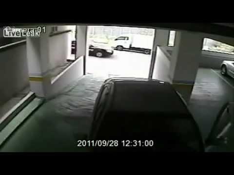 Топ 5. Девушки паркуются