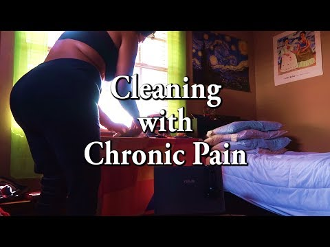 Cleaning with Chronic Pain | VLOGMAS DAY 7 [CC]