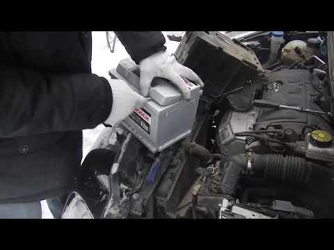 Замена аккумулятора на Peugeot 308 модель 2012 года