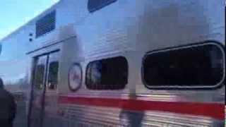 アメリカ西海岸でサンフランシスコとサンノゼ方面を結ぶディーゼル列車...