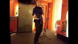 Lisa Del Bo live bij Gunther D in Studio Brussel