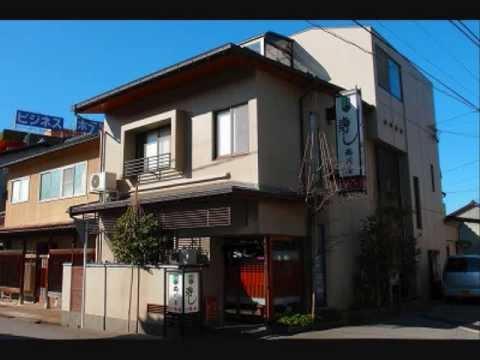 26 透光の樹の鮨屋 西川屋