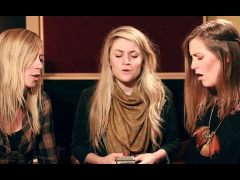 """O Holy Night"" - Jillian Edwards, Ellie Holcomb, and Rebecca Roubion // Brite Session"