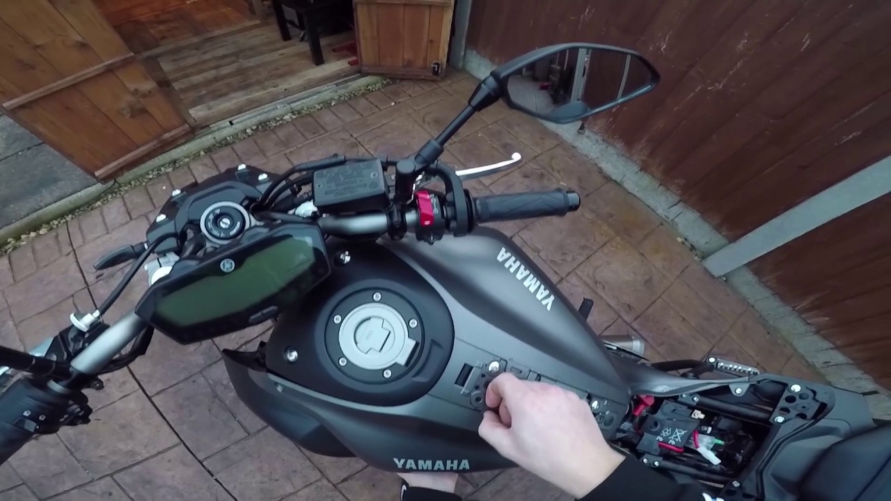 How To Install A Usb Port To Your Mt07 Fz07 Youtube