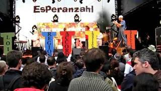 2009_Esperanzah _Travail décent _Enfonçons le clou _N°6 _les sauts