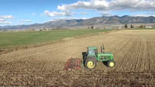 Chisel Plowing with the John Deere 4640