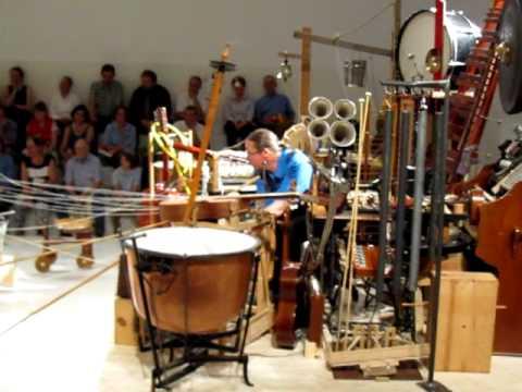 Mauricio Kagel - 2 Mann Orchester (Basel 2011)