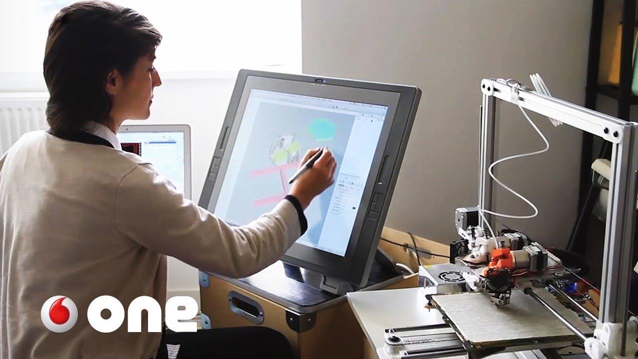 La diseñadora que aprendió en el MIT a hacer ropa inteligente