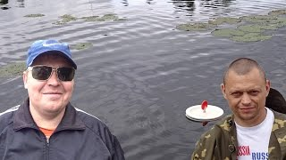 Ловля щуки на кружки.The pike fishing on mugs.(Первая рыбалка на кружки в этом году!Для разогрева рыбалка можно сказать состоялась!В общем сами всё увидит..., 2015-07-14T10:09:27.000Z)