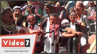 """تماثيل العندليب وكوكب الشرق بـ""""فرقتها"""" الأكثر مبيعا فى شارع المعز"""