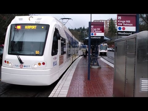 Portland TriMet: MAX Light Rail: Red and Blue Line Trains at Kings Hill/SW Salmon
