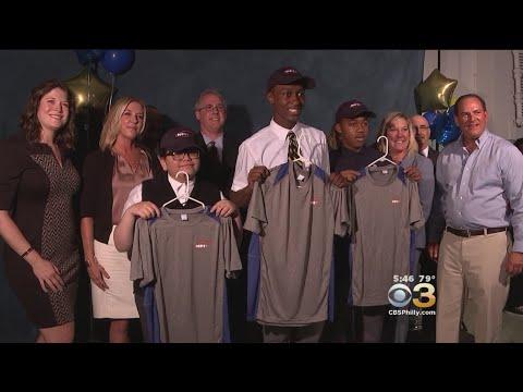Cristo Rey Philadelphia High School Celebrates Students Getting Jobs
