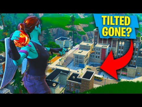 DID TILTED TOWERS GET HIT BY METEOR? NEW LIGHT MACHINE GUN UPDATE! (Fortnite: Battle Royale)