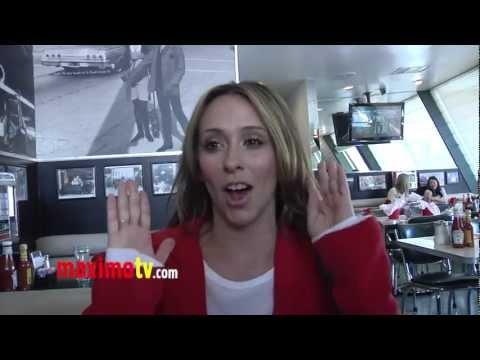 Jennifer Love Hewitt on Massage Happy Endings
