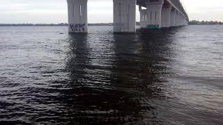 Под Антоновским мостом Херсонская область