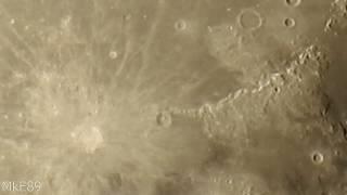 Nikon P900 - Zooming the Moon