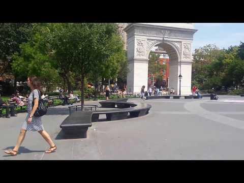 NEW YORK - WASHINGTON SQUARE ARCH