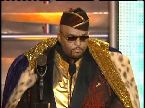 Solomon Burke accepts award Rock and Roll Hall of Fame Inductions 2001