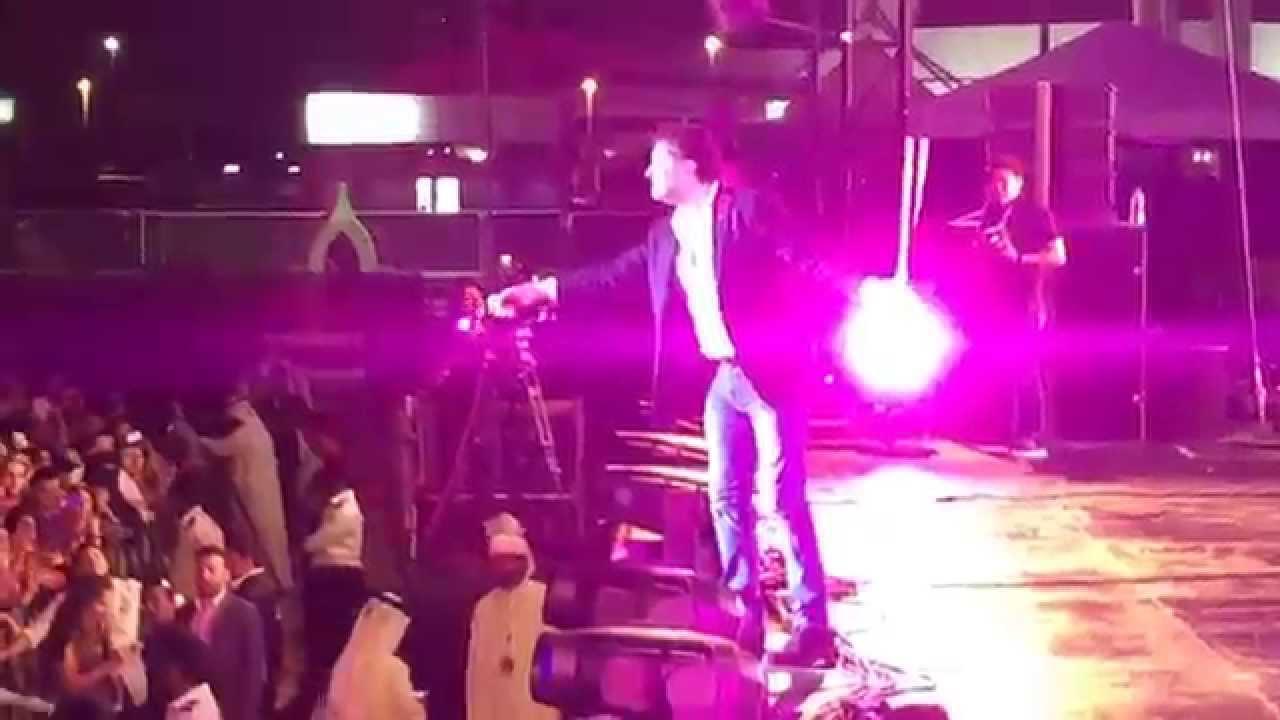 """الجمهور يغني """"نسيني الدنيا"""" مع السوبر ستار راغب علامة"""